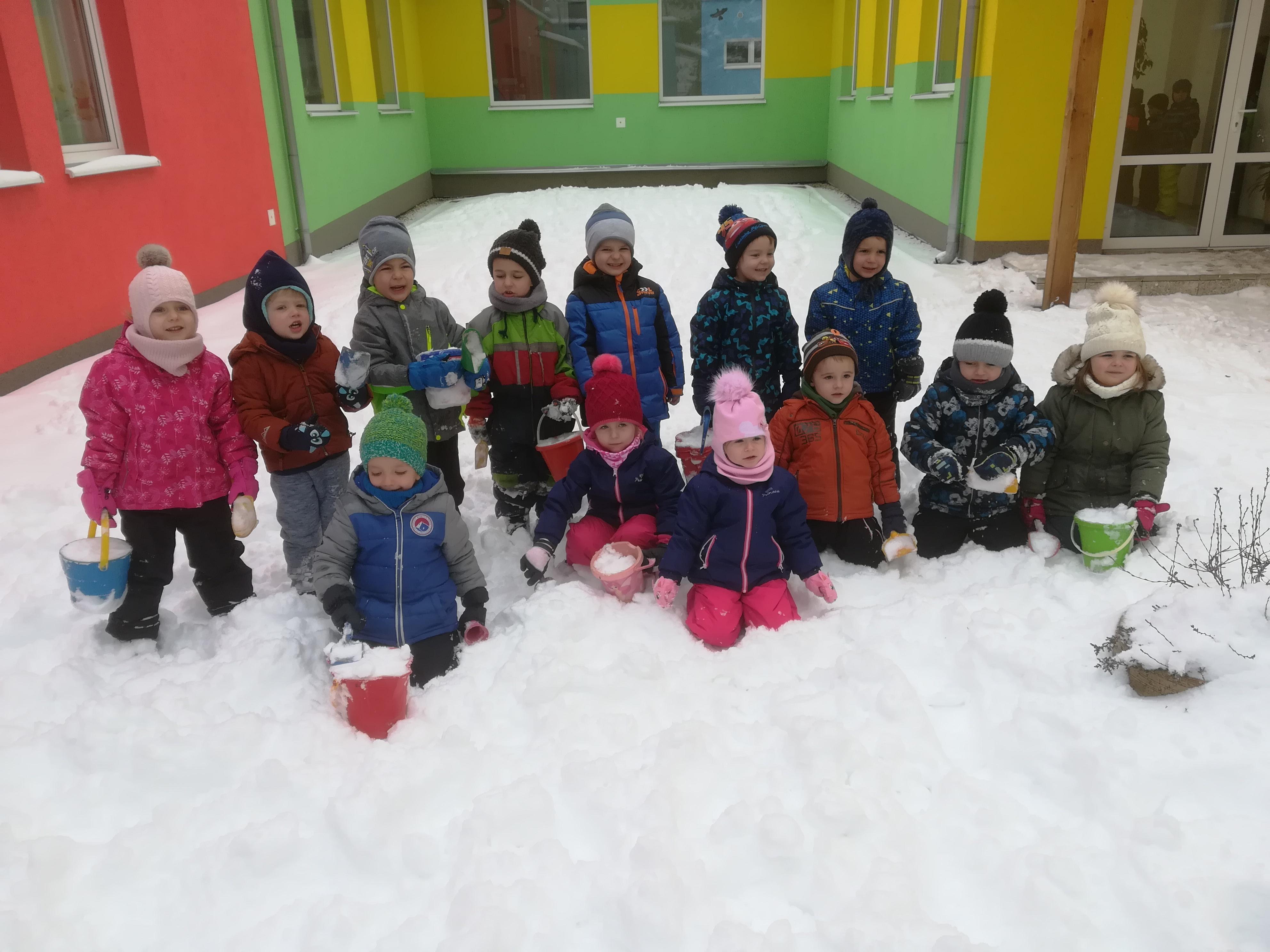 Hry na snehu