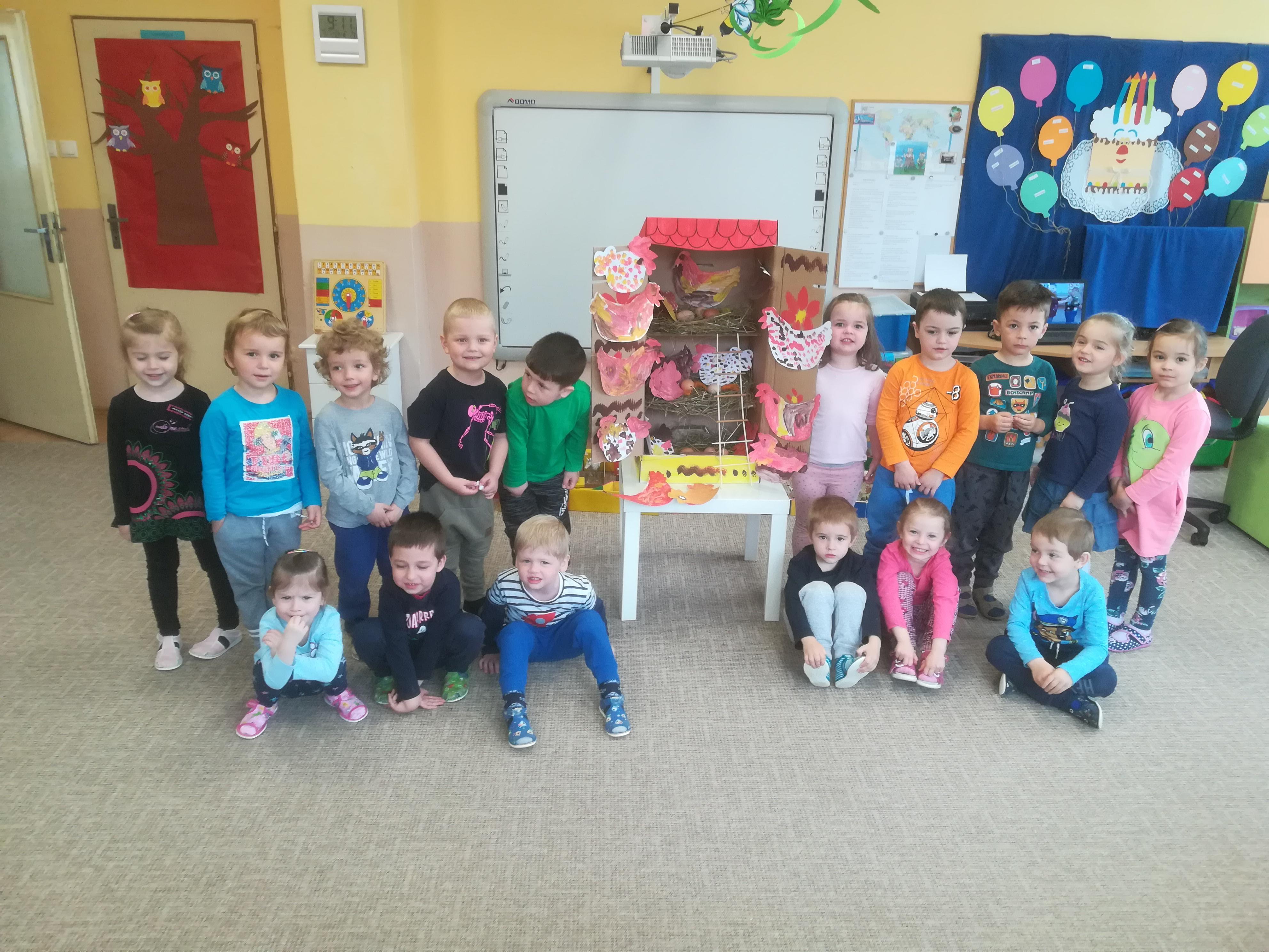 Vyrobili sme si domček pre sliepočky