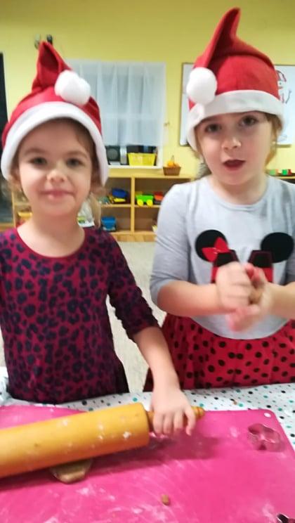 Lili a Veronika- spolu sa nám perníčkuje
